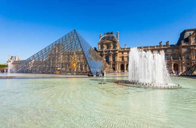MUSEO LOUVRE PARIS